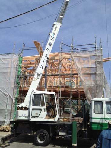 只今工事中・・・3月下旬無事棟上げ完了   建築工事の進行報告